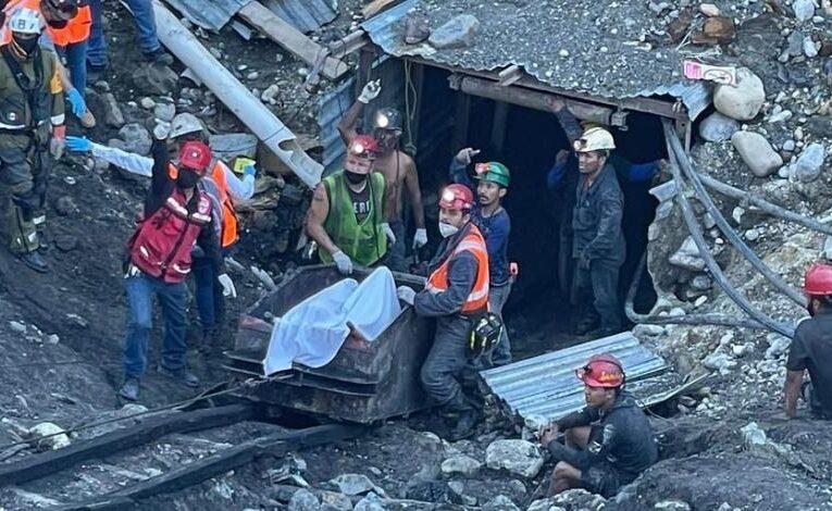 Rescatan cuerpo en mina de Múzquiz