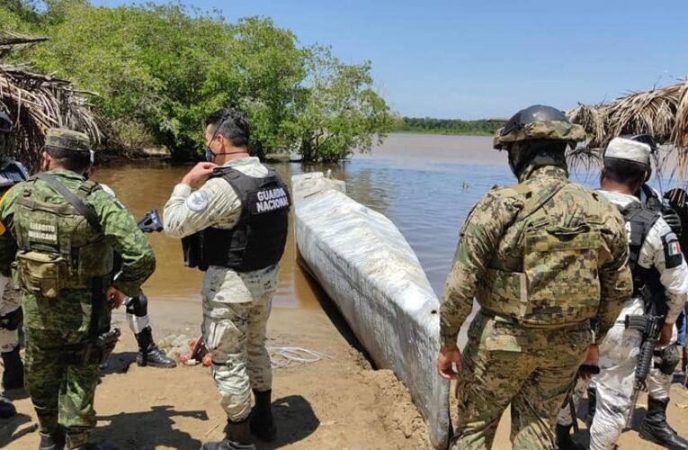 "Emerge ""submarino"" en playa de Costa Chica de Guerrero"