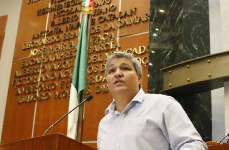 Usurpa identidad indígena diputado de Morena, acusan